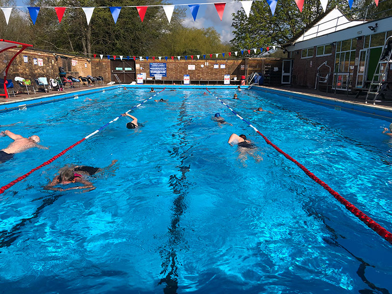 Chesham-open-air-pool--three-lanes-gallery